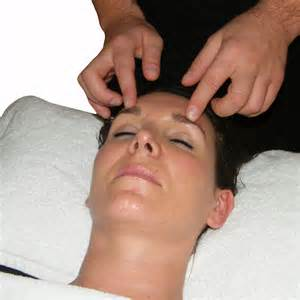 Aromatherapy Acupressure Treatment For The Face