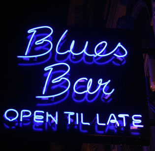 Blues Bar: Open 'Till Late