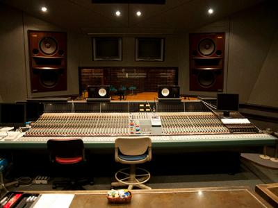 Musictechnology: In The Shoes Of The Music Producer
